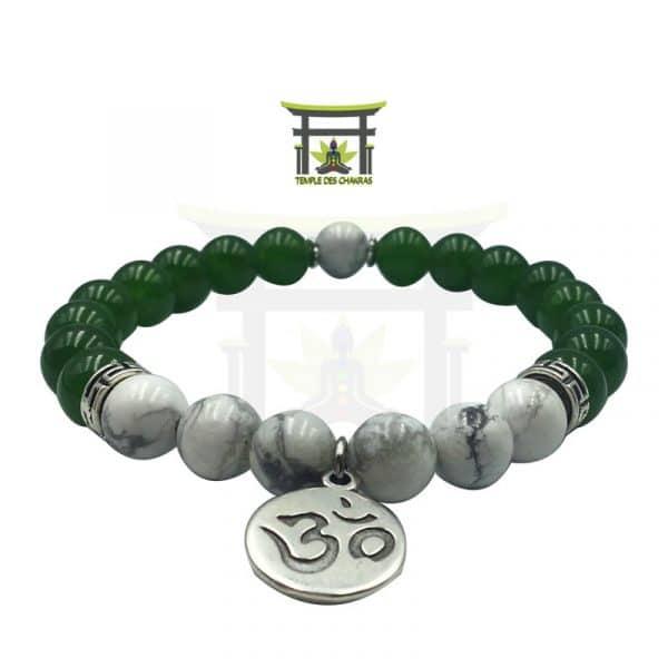 Bracelet en pierre naturelle en jade verte et pierre Howlite avec un pendentif Om