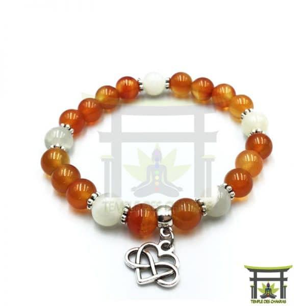 bracelet-féminité-en-cornaline-et-pierre-de-lune-2